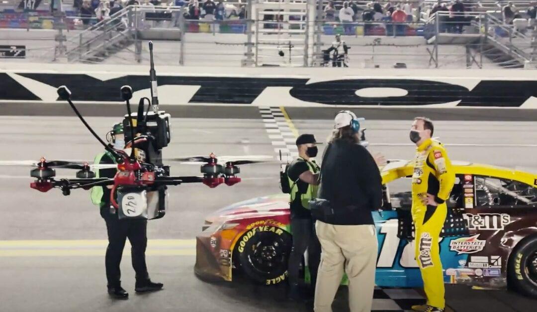 NASCAR: ΜΕ ΤΗ ΧΡΗΣΗ Drones Η ΤΗΛΕΟΠΤΙΚΗ ΚΑΛΥΨΗ ΤΟΥ ΕΜΒΛΗΜΑΤΙΚΟΥ Daytona 500 Race
