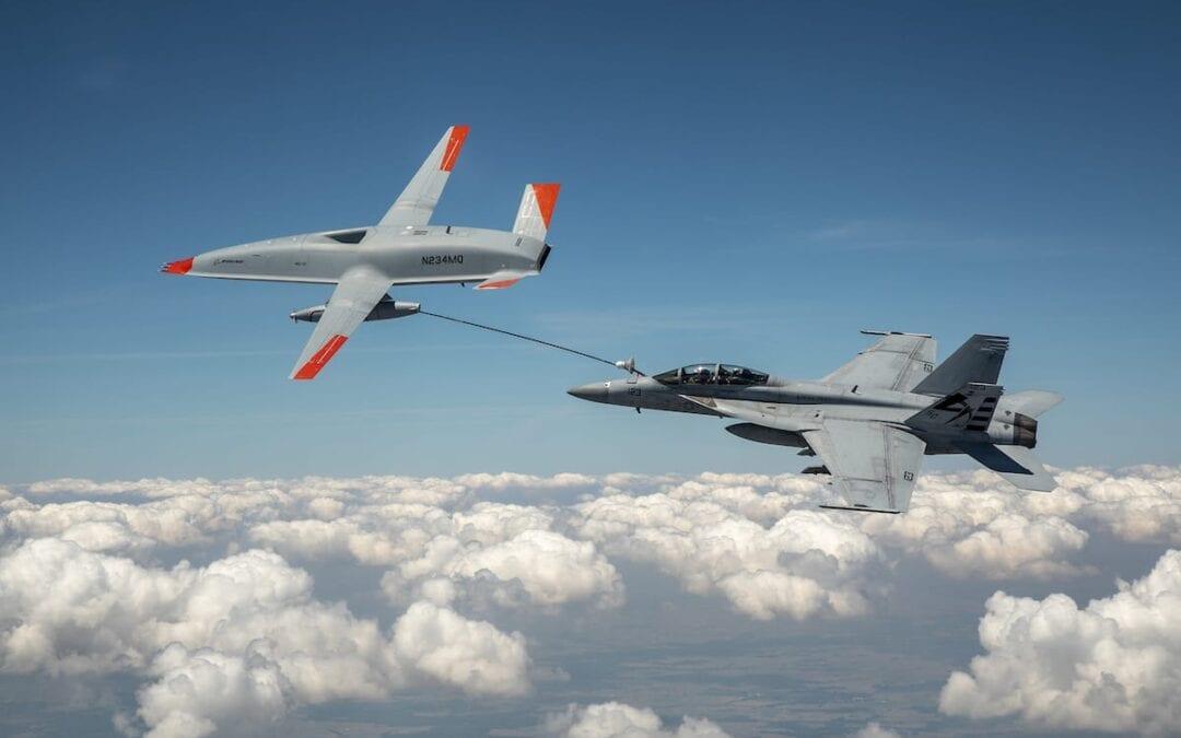 U.S. Navy-Boeing: ΠΡΩΤΟΣ ΕΝΑΕΡΙΟΣ ΑΝΕΦΟΔΙΑΣΜΟΣ ΜΑΧΗΤΙΚΟΥ Α/ΦΟΥΣ F/A-18 Super Hornet ΑΠΟ ΜΗ ΕΠΑΝΔΡΩΜΕΝΟ ΟΧΗΜΑ MQ-25 T1